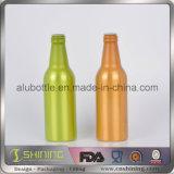 Цветастая алюминиевая бутылка пива