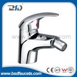 Misturador de bronze do Faucet do dissipador de cozinha do revestimento do cromo da alavanca do banheiro único