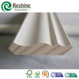 Bâti en bois de moulage amorcé blanc de plafond de couronne