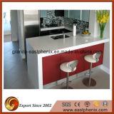 Controsoffitto bianco moderno della cucina della pietra del quarzo