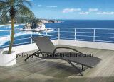 Lounger piegante esterno del Chaise del Lounger di Sun della mobilia della spiaggia del rattan sintetico del PE di Foshanoutdoor (YTF465-1)