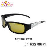 A forma artística ostenta óculos de sol com certificação do Ce (91011)