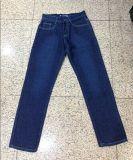 Women e Men conservados em estoque Jeans