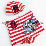 Pantaloni di nuoto del bambino. Il fumetto dei capretti ha stampato l'usura di nuoto