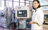 Füllende Flüssigkeit, die peristaltische Pumpe dosiert