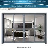 Porte coulissante en aluminium avec différents panneaux et modèles et couleurs