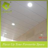 Bouwmateriaal van het Ontwerp van het Plafond van de Strook van het Plafond van de Decoratie van het aluminium het Tegels Opgeschorte
