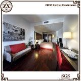 Mobilia superiore della camera di albergo di marca moderna