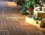 防水WPC DIYの床タイル、滑り止めの連結の床タイル、プラスチック製のデッキをかみ合わせるWPC
