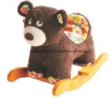 O cavalo de balanço da fonte da fábrica Brinquedo-Carrega o balancim