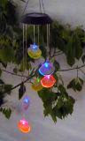 야드 정원이 태양 강화한 가리비 윈드 차임에 의하여 LED 점화한다