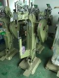 El clavo de la máquina del remache de Automatice del fabricante que introduce ojetea la máquina