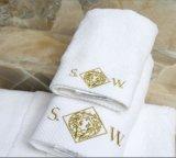 表面クリーニングタオルのためのホテルタオルの工場価格の刺繍のロゴMicrofiber