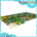 Equipamento plástico cheio do campo de jogos da criança fora
