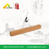 Percha de bambú de la falda con el gancho de leva del metal