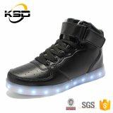 35-46 la luz ocasional de los zapatos del deporte de los hombres del cuero de zapatos de la talla de los zapatos más LED del adulto ata para arriba