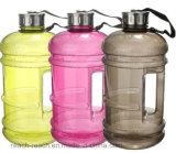 O plástico da aptidão da ginástica ostenta a garrafa de água