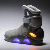 A melhor sapata superior elevada de venda do esporte 2016 para o diodo emissor de luz a pilhas recarregável do OEM do adulto calç popular com clientes