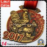 2017 i più nuovi anni della medaglia di oro dell'oggetto d'antiquariato del gallo