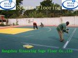 El cliente de África elige solar al aire libre de los deportes del uso del baloncesto