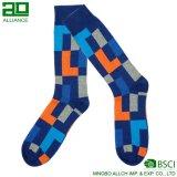 Hersteller-Zubehör-Männer `S glückliche Socken