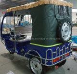 Triciclo para passageiros com energia elétrica