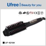 La bellezza dei capelli lavora la spazzola di capelli per capelli