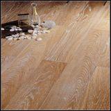 Suelo dirigido engrasado blanco aplicado con brocha de madera de roble/suelo del entarimado