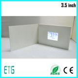 2.4インチの昇進の価格の塗被紙の贈答用図書のカードLCDのビデオパンフレット