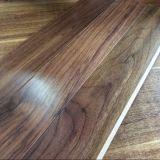 Prefinished自然なオイルのアメリカのクルミの純木のフロアーリング