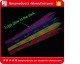 Abnehmbares Funkeln-Glühen in der dunklen Abzuglinie mit beleuchtetem Firmenzeichen