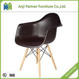 Productos únicos para vender el asiento plástico y la silla posterior (Eric) de los muebles de la sala de estar