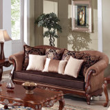 標準的なファブリックソファーの骨董品愛シートの椅子の古典的な表は居間のための木フレームとセットした