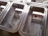 Peça feita à máquina CNC não padronizada pequena da produção de grupo