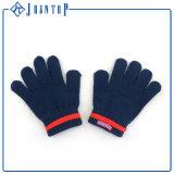 Kundenspezifischer Knit-Schal-Hut und Handschuh-Set