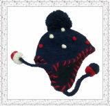 A menina bonito Earflap fêz malha o chapéu do Beanie com pontilhado bordado (1-3516)