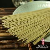 Tassya secó los tallarines secados los tallarines del té verde