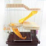 La turbine assortie élevée de cuvette de bouilloire de château d'emboîtement de cage d'animal familier glisse la petite cage de hamster de construction à trois niveaux