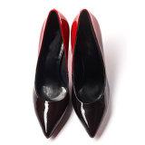 卸し売り女性パテント・レザーの平たい箱の正方形つま先の偶然靴