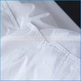ホテルの標準の100%年の綿カバーはアヒルで置く満ちた