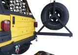 Parachoques trasero automático de alta calidad con portador de neumático de repuesto