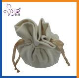 白いカラービロードの袋のドローストリング袋のかわいいサイズの構成袋