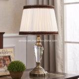Lámpara de mesa con pantalla de tela, cristal / metal común