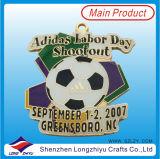 原料の競争のフットボールの試合のための労働者の日のフットボールメダル