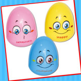 Chiavetta Egg Toy con Doll e Candy Inside