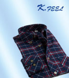 두 배 가슴 주머니를 가진 까맣고와 빨강 Flannel 남자 셔츠