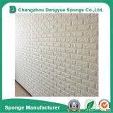 Fácil instalar o papel de parede gravado decorativo dos blocos de espuma