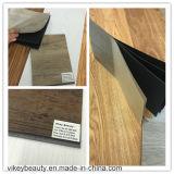 Vinyle en bois de clic de PVC de modèle européen parquetant la protection de l'environnement imperméable à l'eau