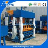 Grand bloc Qt4-18 creux faisant la machine