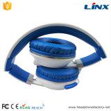 Produtos novos que dobram a venda por atacado estereofónica de China do auscultadores do OEM do jogador MP3